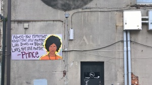 Poignant graffiti as the US election and #blacklivesmatter campaigns swirl, followed by the Dallas shootings